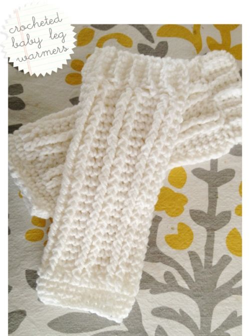 Crocheted baby leg warmers: SO cute and so fast to make! - modifications: increase at row 7 or 8 (did one of each), do 14 rows of fpdc, double crochet 1 row at top, then 2-3 rows single crochet to make top mimick bottom