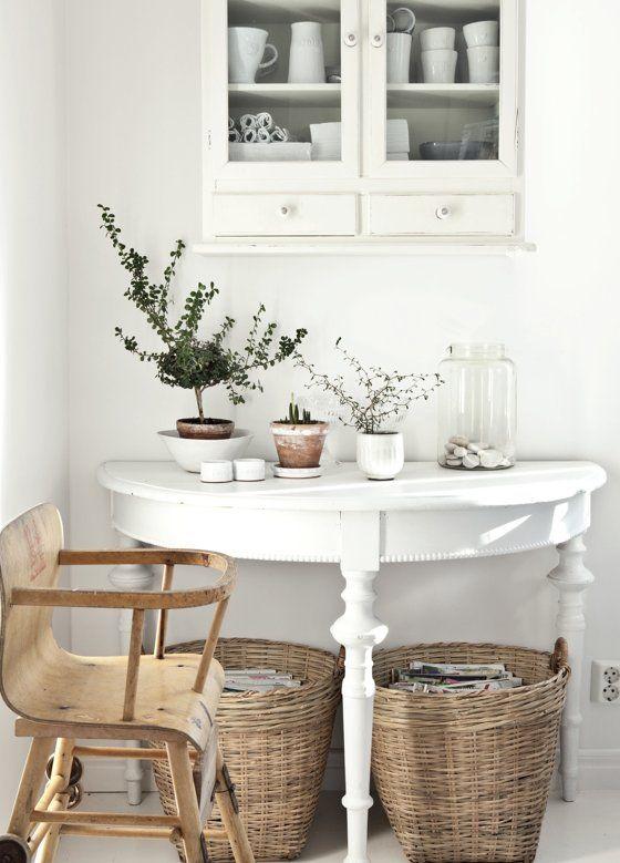 Scandinavian basket decorating example