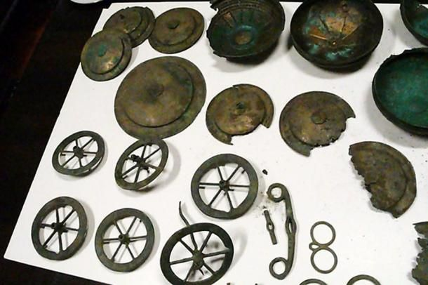 Family Discovers a Collection of Rare Bronze Age Artifacts in ...