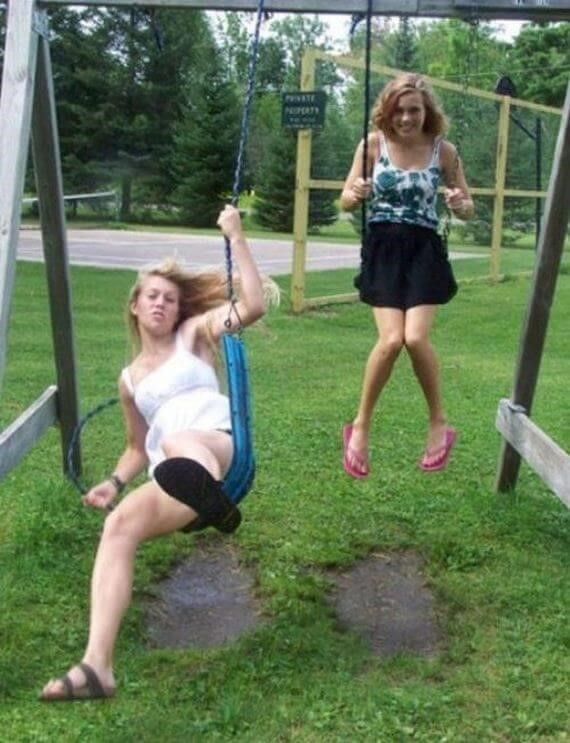 White Wasn't A Good Choice - Top 20 Hilarious #PerfectlyTimedPhotos #Weird #FunnyPictures #wtf