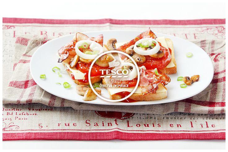 Toast s anglickou slaninou grilovanými žampiony a rajčaty  http://www.tescorecepty.cz/recepty/detail/101-toast-s-anglickou-slaninou-grilovanymi-zampiony-a-rajcaty