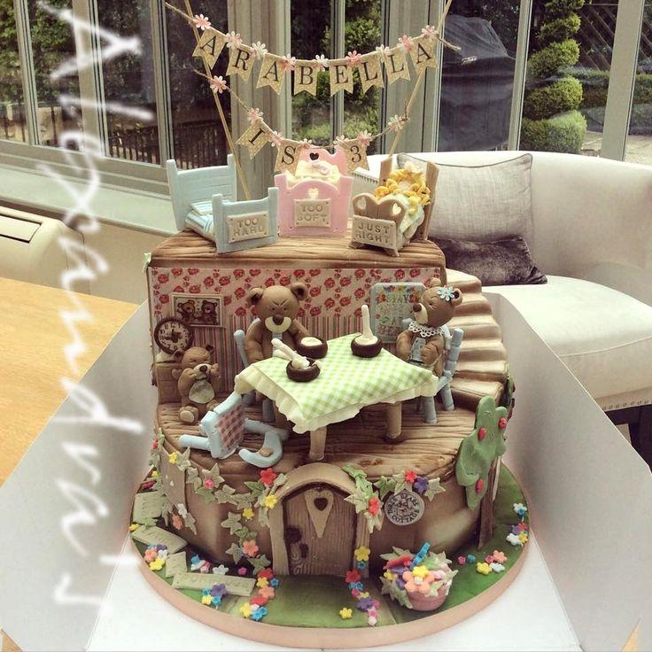 Goldilocks And The Three Bears, storybook cake