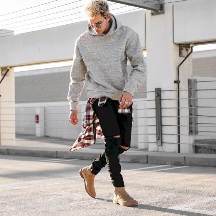 nice 36 Men's Fashion Casual Jeans Outfits http://attirepin.com/2018/02/18/36-mens-fashion-casual-jeans-outfits/ #men'scasualoutfits #mensoutfitscasual