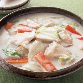 2週連続で台風が接近し、雨降りの週末です。気温も上がらず、肌寒いこんな日は、ほっとする味わいの「とりと白菜のミルク煮」で体を温めて。とろとろに煮えた白菜がまとっ...
