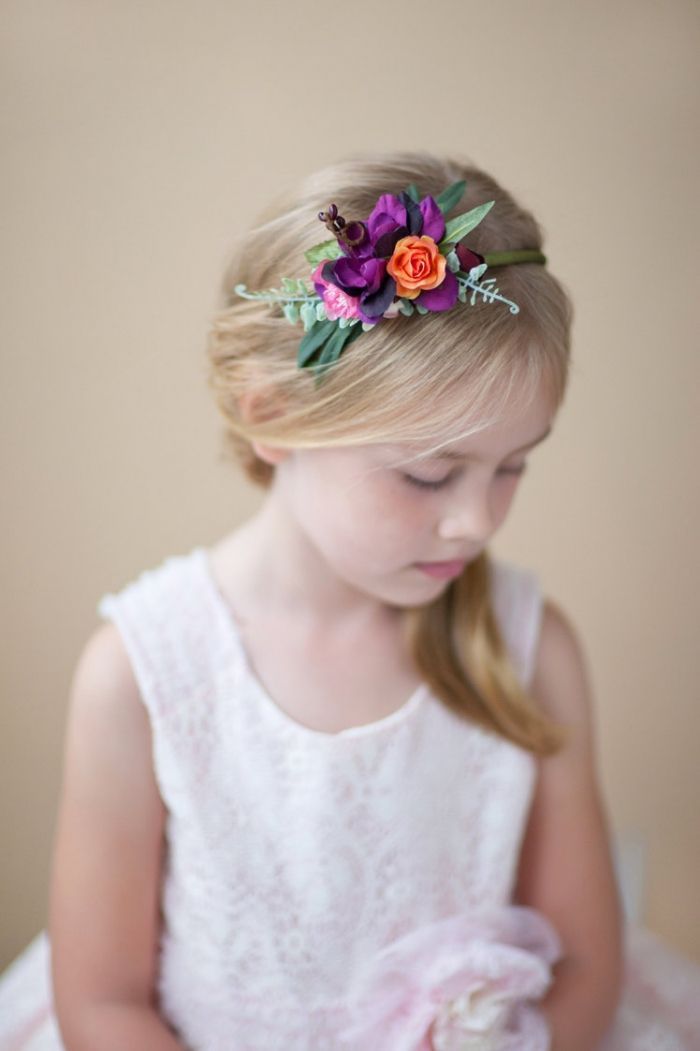 With a gorgeous pop of color, this flower headband by thehoneycomb via etsy is a great option for your flower girl  #flowergirlheadpiece