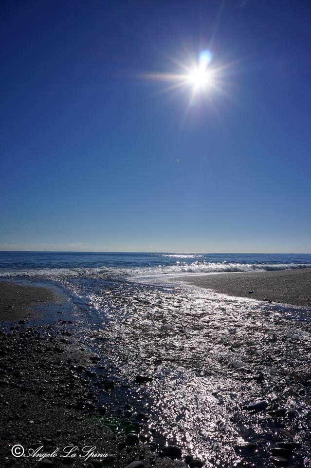 Follow us on Marina di Cottone-Fiumefreddo