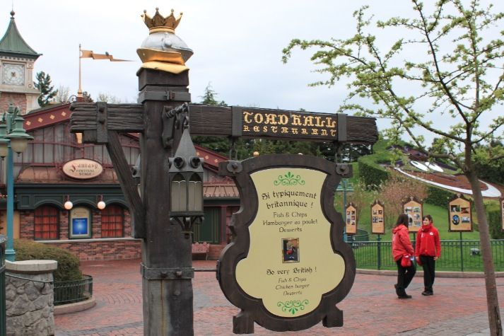 """Walt Disney Imagineer Tom Morris guides us around in and tells us about the design and origins of """"Toad Hall"""", probably the most beautiful themed fast food restaurant in Disneyland Paris."""