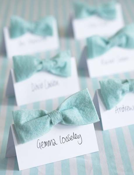 bow placecards...awesomeness