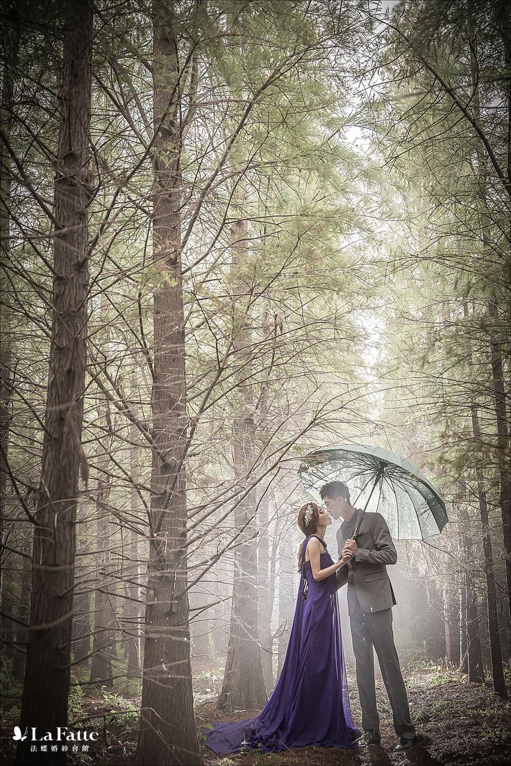 """I am your shelter through rain and storms."" 無論陰晴,都有我為妳擋風遮雨。☔️ #taiwan #taichung #prewedding #woods #rain"