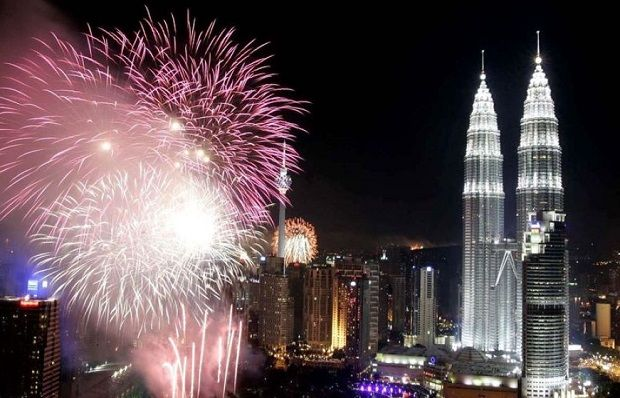 New Years Eve In Kuala Lumpur New Years Eve Fireworks New Years Eve Perfect Destination