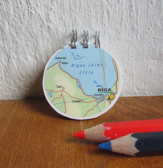 Cadeau pour gaucher carnet rond papier recyclé par LaTourStudio