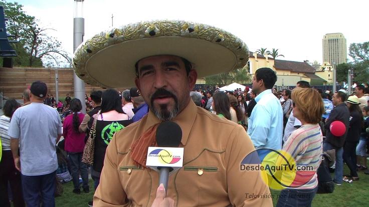 Desde Aquí TV – Television por Internet – Los Angeles, CA – Cientos de mexicanos celebraron el Cinco de Mayo en la famosa Placita Olvera, en celebración del 150th aniversario de la batalla de Puebla en 1862. 6