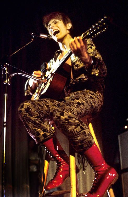 Ziggy played guitar! David Bowie's first Ziggy show: Saturday, January 29th, 1972, at Borough Assembly Hall, Aylesbury by Michael Putland