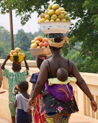 Beautiful family from Conakry, #Guinea.