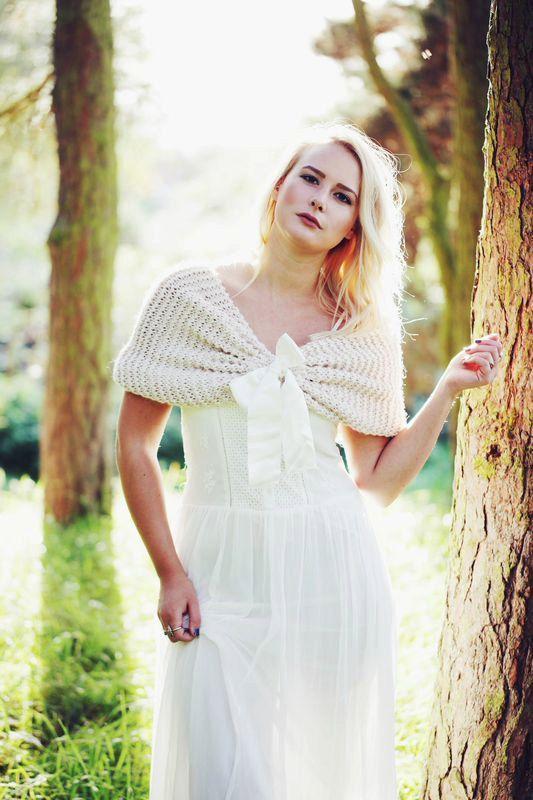Bruids Cape Beige bruiloft omslagdoek Bridal schouderophalend bruids Capelet Bridal omslag sjaal,