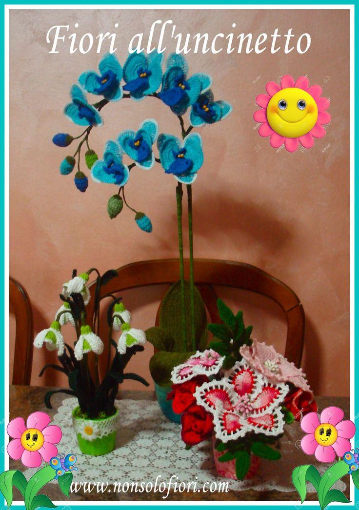 Mentre fuori piove ... in casa, piccole note di colore rasserenano il cuore  Fiori all'uncinetto www.nonsolofiori.com #crocheted #handmade #flowers #uncinetto #fiori #orchidee #orchid #gigli #bucaneve #rose
