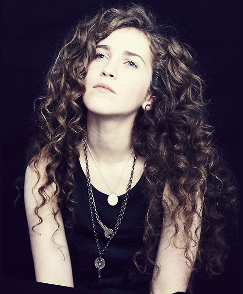 Rae Morris seeing her tonight, supporting Bombay Bicycle club