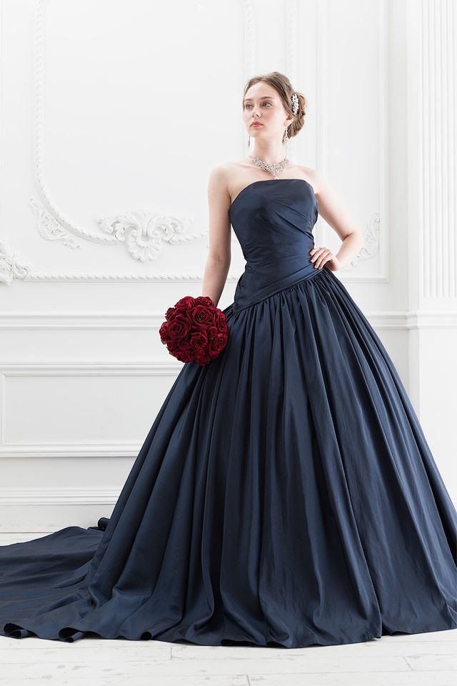シックな紺色のタフタがシンプルな大人のカラードレス|SS5520NV