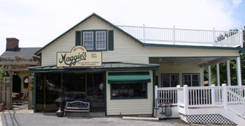 Maggies Restaurant and Catering - Dining for lunch and dinner. Fresh Maryland Crabcakes, nationwide crab cake delivery. Wireless hot spot for laptop internet access - Maggie's, bar, pub, grille, tavern, good, best, local, top, rated, wedding, weddings, Carroll County Maryland, Eldersburg, Taneytown, Sykesville, Union Bridge, Hanover, York, Adams, Pennsylvania, Pa, 21157, maggies