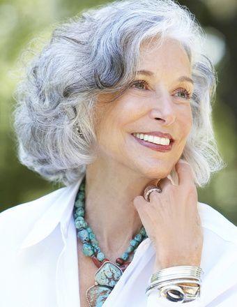 красивые фигурные идеи боб прическа для пожилых женщин