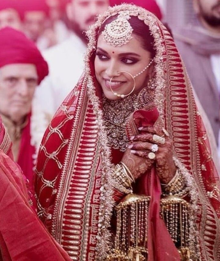 Pin By Priyanka Lata On Indian Bride Bride Accessories Bridal Jewellery Indian Indian Wedding Bride