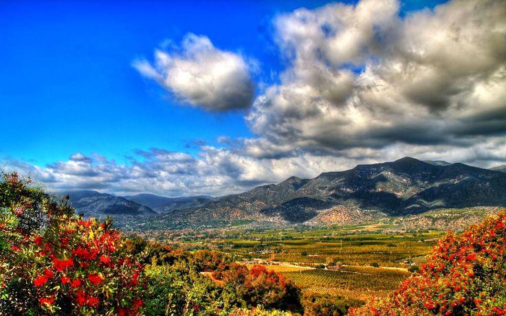 Облака, небо, горы, цветы, краски, растительность, трава обои, картинки, фото