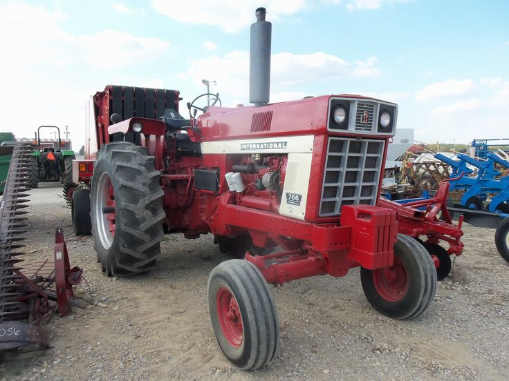 85hp international 766 tractor from 40 years ago competed. Black Bedroom Furniture Sets. Home Design Ideas