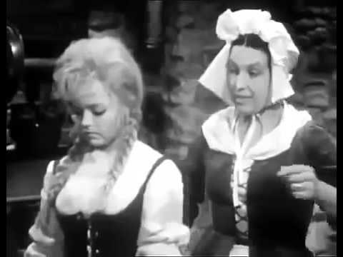 Cindy film cz dabing s Bonnie Bianco