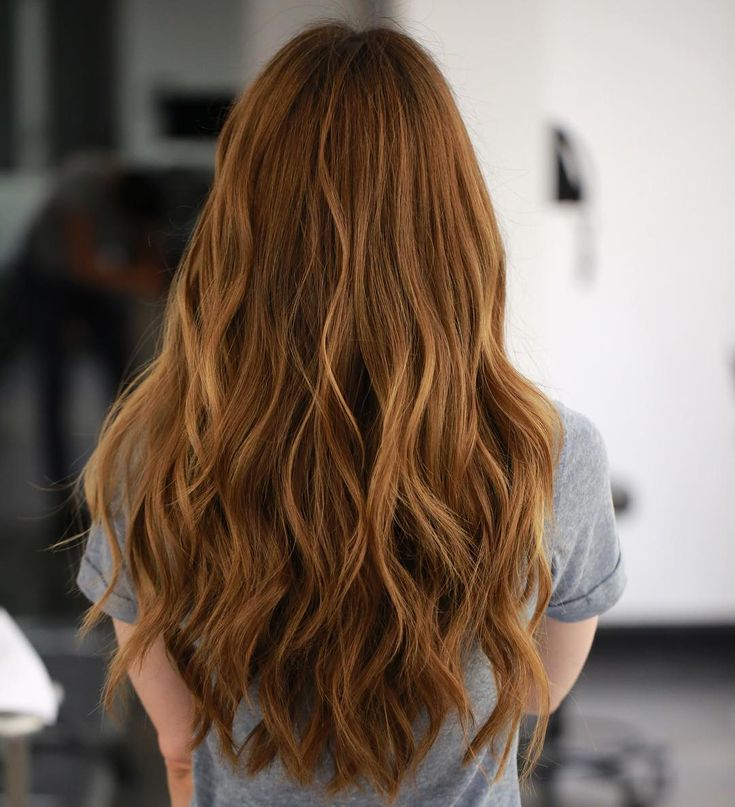 Wavy Long Ginger-Red Hair with Short Layering