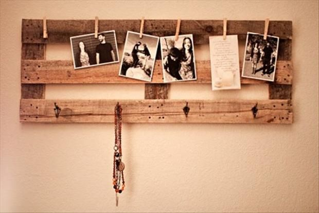 use an old pallet to make a rack for the kitchen to hold reminders, artwork, dog leashes, keys, etc.