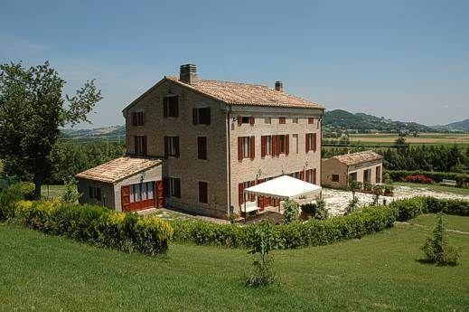 Restored farmhouse in Marche