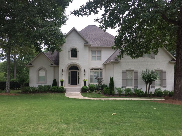 Exterior brick paint color benjamin moore soft chamois oc - White exterior paint color schemes ...