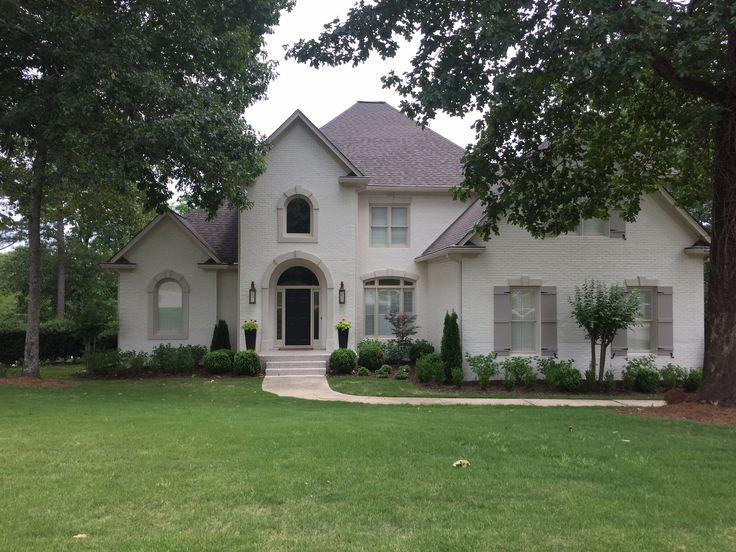 Exterior brick paint color benjamin moore soft chamois oc - White exterior paint color schemes ...