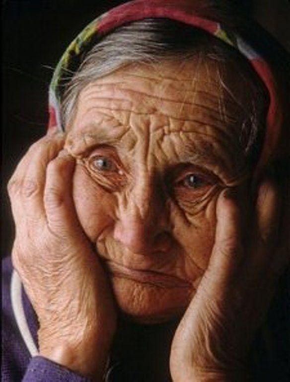 можно подготовиться картинки старушка грустная просто обеспечить