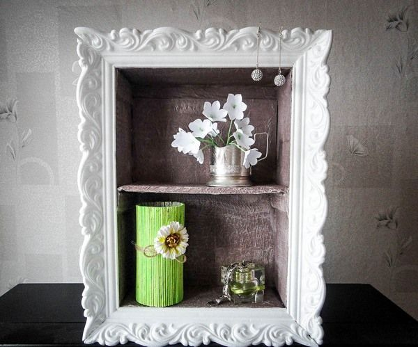 Cheap DIY home decor idea – Cardboard wall shelf with ornamented frame
