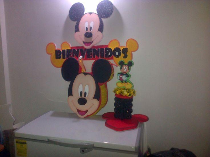 Combo de Piñata, Chupetero y Bienvenidos Mickey Mouse
