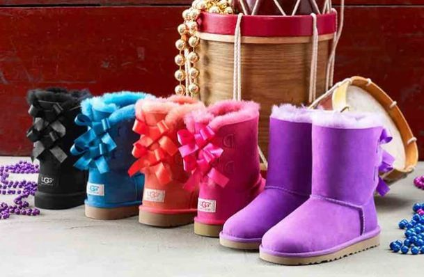 I have never wanted a pair of Uggs until i saw these. Those Bows!!!