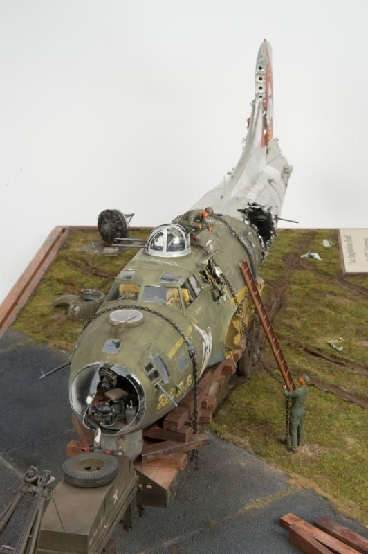 17 Best Ideas About Blue Eyes Pop On Pinterest: B-17 Flying Fortress Salvage Diorama