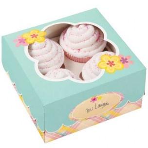 Leuke manier om verschillende koekjes, chocolade e.d. in te verpakken. 3 dozen in Pasen/Voorjaar thema, met venster in bloemvorm.
