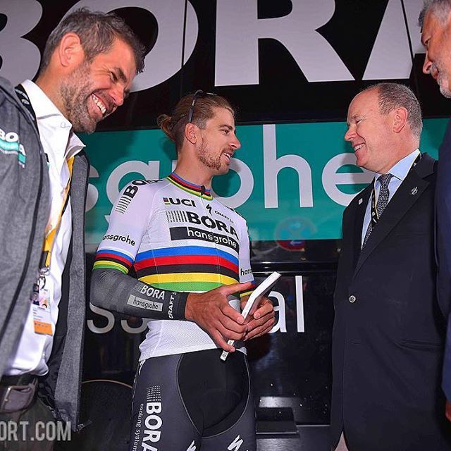 source instagram tdwsport  World Champion in royal company @petosagan #prince #Albert #monaco @letourdefrance @letour2017 #tdf #stage1 @borahansgrohe @ralph.denk #teammanager #cycling  tdwsport  2017/07/02 15:45:45