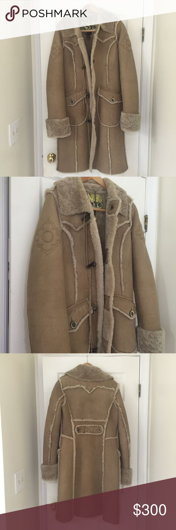 Boho coat in leather and sheep wool Amazing Diesel coat in 100% leather. Lining inside is wool. I just got it back from the dry cleaners so it's ready to be enjoyed! Size medium. Diesel Jackets & Coats