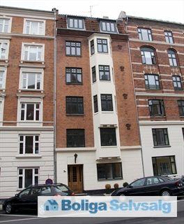 Præstøgade 2B, st., 2100 København Ø - Dejlig 4 værelses andelslejlighed i roligt kvarter på Indre Østerbro #andel #andelsbolig #andelslejlighed #kbh #københavn #østerbro #selvsalg #boligsalg #boligdk