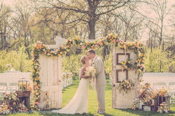 Jorgensen Farms Wedding {Columbus Ohio Wedding Florist} madison house designs