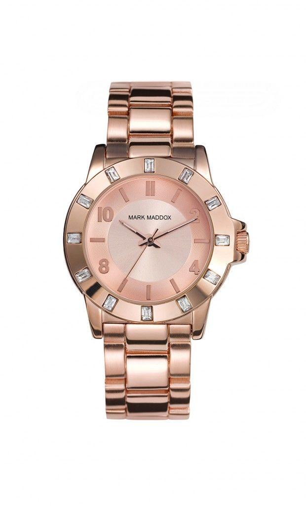 Quien no quisiera lucir este espectacular reloj?? Reloj tres agujas brazalete con incrustaciones en bisel y cierre  desplegable. Cristal mineral e impermeable 30m (3ATM).