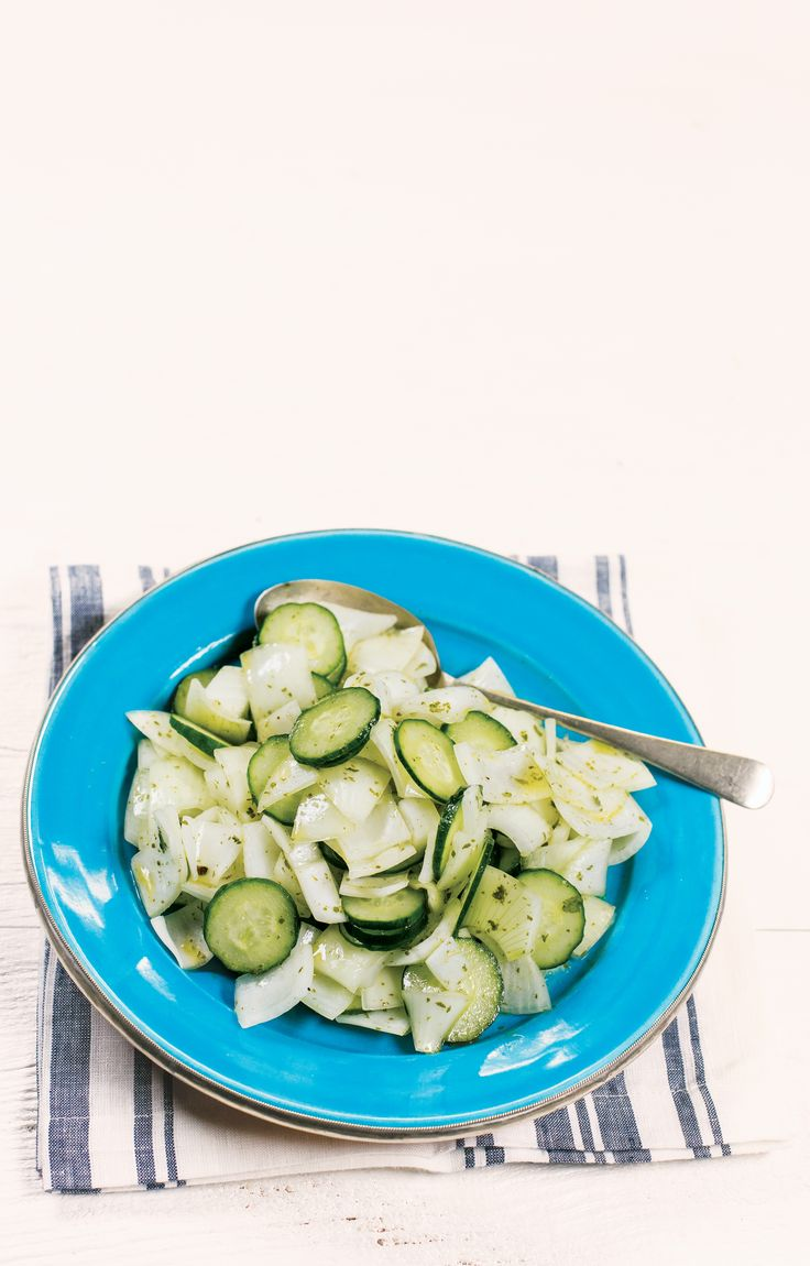 Salada de cebola com pepino e molho de coentro | Receita Panelinha: Cara feia…