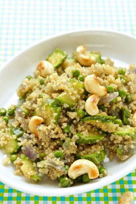 Insalata di quinoa vegana.