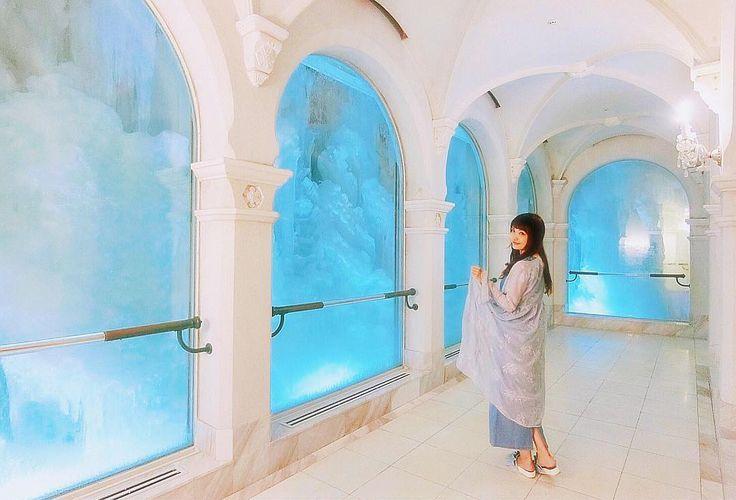 ��❄️ . アナと雪の女王のエルサのお城みたいー������ ❄️�� . . こういうロマンチックな世界観大好き❤️�� . . #北海道なう #ここエルサの衣装着て撮ってみたくなるー #持ってないけど #でも青だしちょっと雰囲気合ってるよね?笑 #雪の美術館#アナ雪#氷の城#エルサ#お城 #北海道#旅行#北海道旅行#旅女子#旅#タビジョ#LW7月の旅#夏#夏休み#夏休み旅行#旅女子#城#hokkaido#japan#trip#travel#genic_pt#travelgirl#tabijyo_summer http://misstagram.com/ipost/1569964691051999993/?code=BXJopGID3L5
