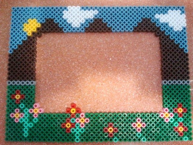 77 best marcos hama images on pinterest perler beads - Hama beads cuadros ...