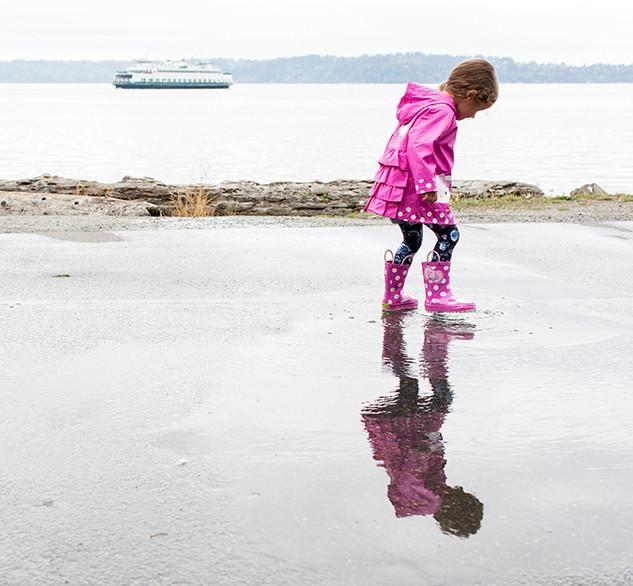 Girl/'s Hello Kitty Pink Polka Dotted Cutie Rain Boots