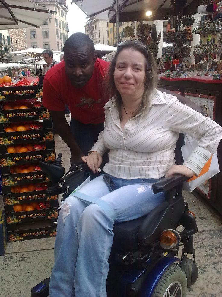 Io e Isaac al Mercato delle Erbe di Verona